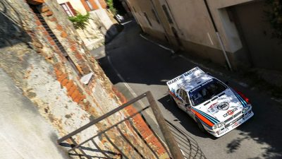 pilota di rally con Nuova Assauto